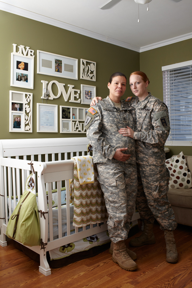 GAY WARRIORS: Artist photographs same-sex military couples